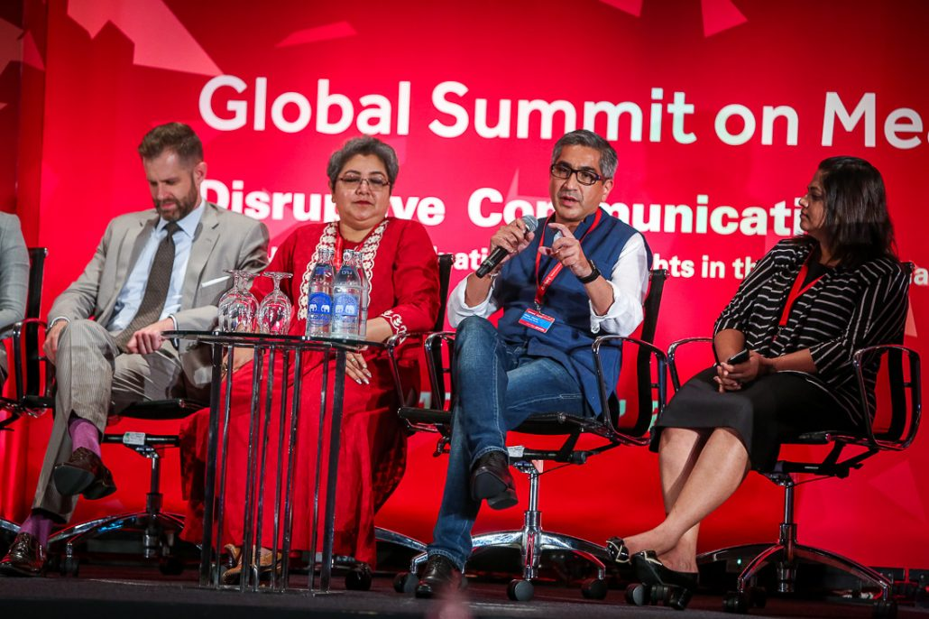 Nitin-Mantri-puts-over-the-PRCAI-view-in-a-special-panel-session-at-the-AMEC-Global-Summit